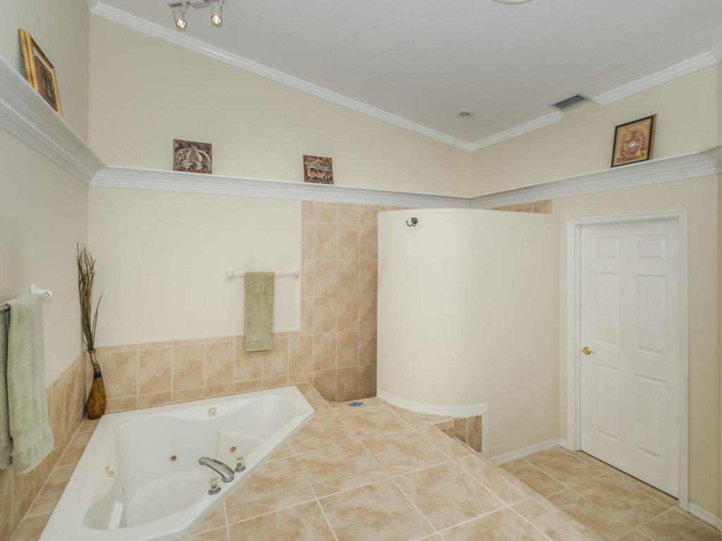 1117-pinellas-bayway-s-saint-mls_size-027-15-master-bathroom-3-1024x768-72dpi